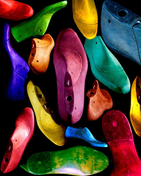 Luis Carre Zapatos de todos los colores vienen juntos